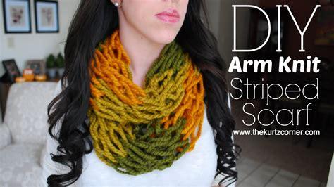 arm knitting scarf step by step diy arm knitting 30 minute striped infinity scarf