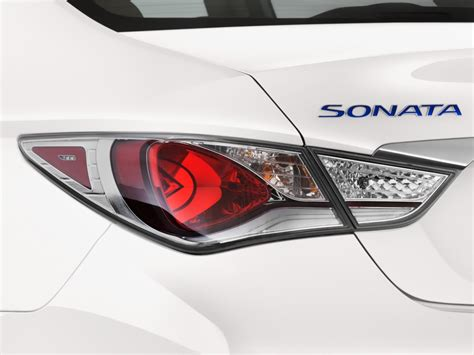hyundai sonata tail light 2016 hyundai sonata hybrid pictures photos gallery green