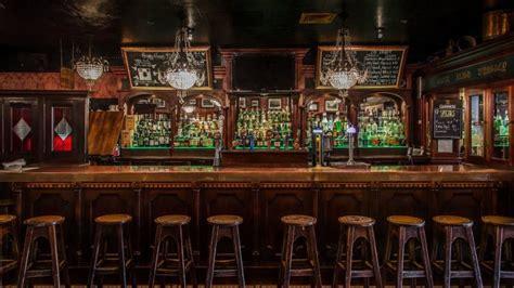 irish pubs   ireland  frisky