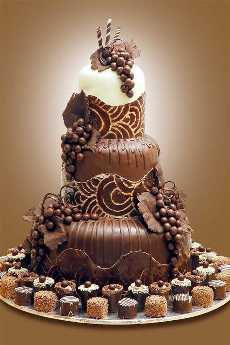 Hochzeitstorte Schokolade by Chocolate Cake