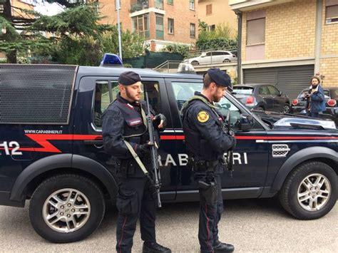 reparti mobili carabinieri misure antiterrorismo carabinieri api e sos a perugia e
