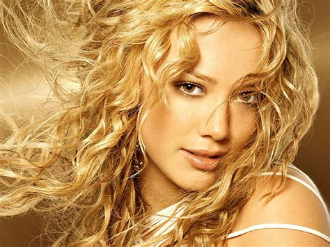 Hilary Duffs Single And Loving It by Hilary Duff So Yesterday Seleccion De Canciones