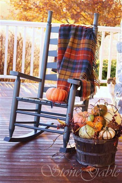 beautiful ways  decorate  porch  fall hot