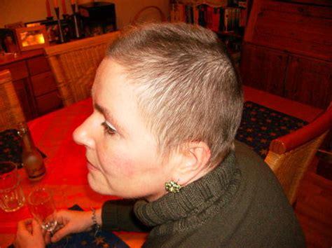 haare die nach innen wachsen wie schnell wachsen die haare nach chemo moderne