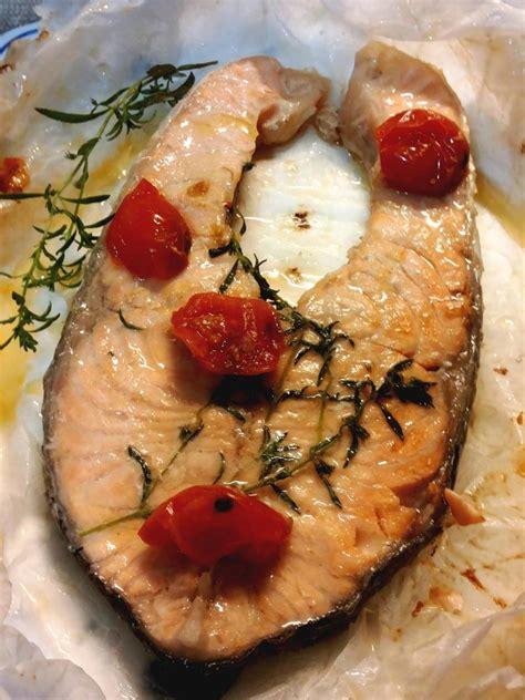come si cucina il salmone in padella salmone aromatico al cartoccio in padella cucina serena