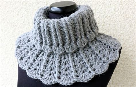 Crochet Neck Design Pattern | free pattern crochet neck warmer squareone for