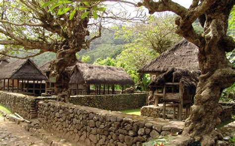 Tenganan Pegringsingan Bali, Keunikan Desa Kerajinan Kain