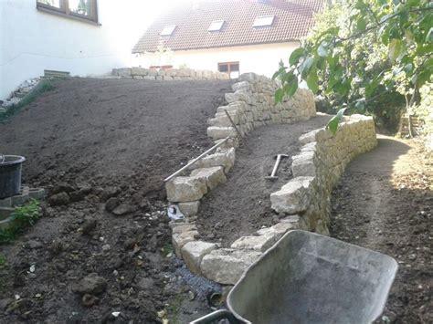 gartengestaltung naturstein gartengestaltung mit naturstein mauern wasserlaufe und
