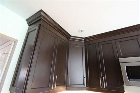 How To Cut Crown Molding For Kitchen Cabinets | aristokraft cabinet crown molding remodeling your home