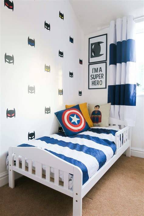 toddler boys bedroom 25 best ideas about boys superhero bedroom on pinterest