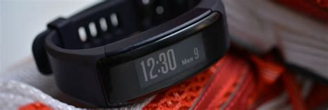 garmin vivosmart reset itself garmin s vivosmart hr reviewed don t buy a fitbit before