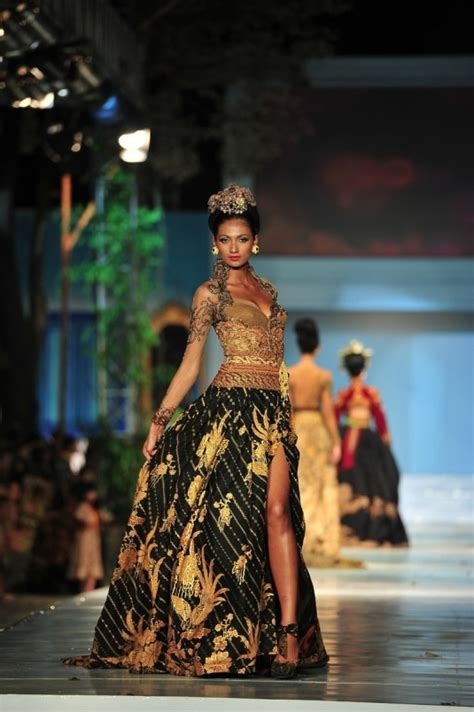 Kebaya Marwah 17 best baju kebaya images on kebaya kebaya indonesia and kebaya dress