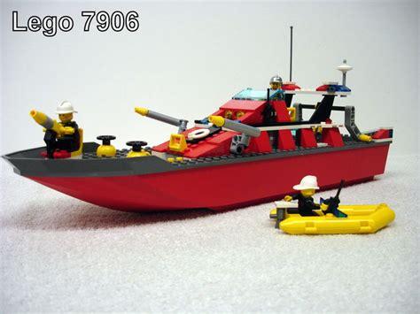 lego boot met motor city 7906 grote brandweerboot drijft en vaart echt in