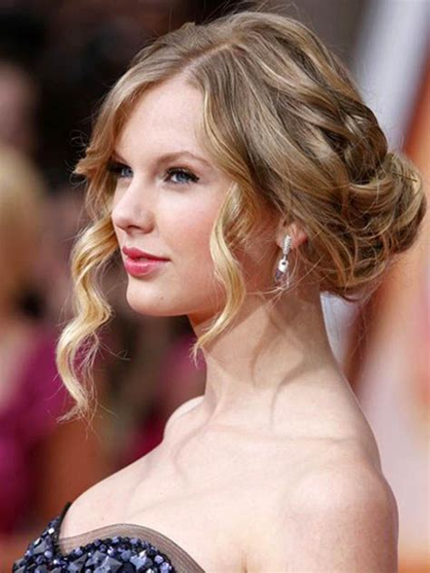 taylor swift prom hairstyles tutorial medium shoulder length curly hair up do photo