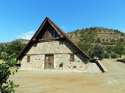 cipro turisti per caso chiesa bizantina sui monti troodos viaggi vacanze e
