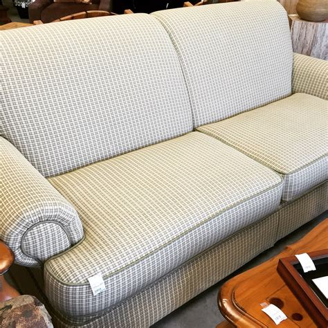 gingham couch 90 quot hickory hill gingham sofa sold designsbyconsign