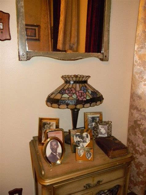 decorating with photos memories decorating with antiques