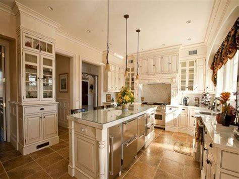 Mediterranean kitchen cabinets, mediterranean white