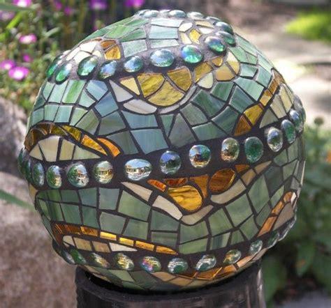 Garden Mosaic Ideas 25 Best Ideas About Mosaic Garden On Pinterest Mosaic Ideas Mosaic Crafts And Mosaic Garden