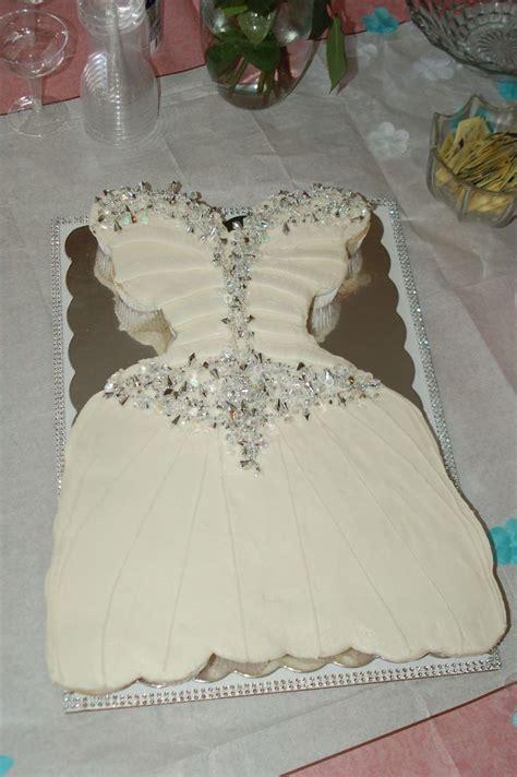 pull apart cupcake cake for bridal shower 4ad22342d2cab6a7e36d9c0370870380 jpg 1 200 215 1 804 pixels