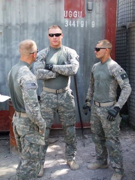 what attractive to marines military muscle rawr hot guys pinterest sexy