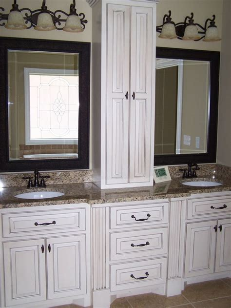 thomasville bathroom cabinets 17 best images about house on pinterest islands