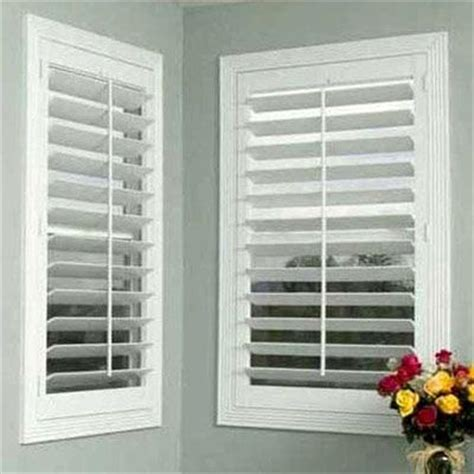 Looking For Blinds For Windows Best 25 Wooden Shutter Blinds Ideas On Window