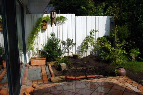 terrasse japanisch gestalten zen garten kunst bringt ordnung in garten und geist