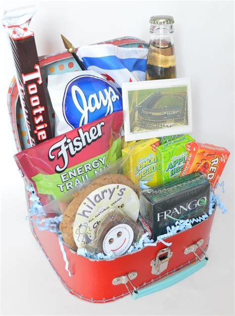themed gifts for family chicago themed gift baskets for clients events family