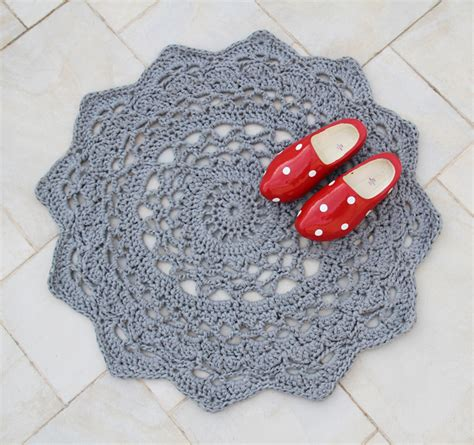 crocheted doily rug pattern allcrafts free crafts
