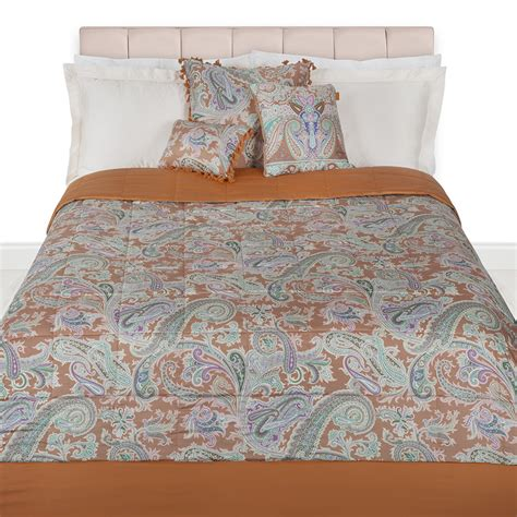 gold quilted coverlet buy etro azhaiba quilted bedspread 270x270cm gold amara