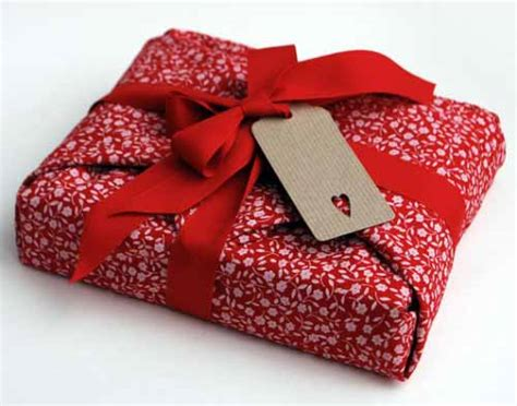 fabric gift wrapping how to wrap a present 20 gift wrapping ideas