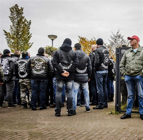 Motorrad Club Cuxhaven by Niederl 228 Ndische Rocker Bande Zieht Es Kriminelle Rocker