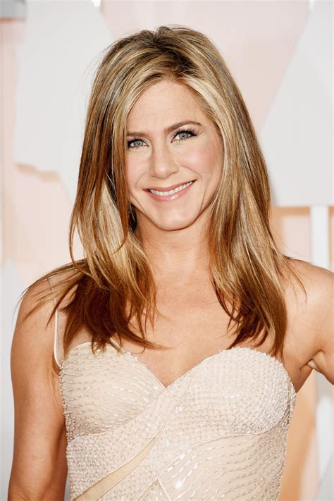 sexy hairstyles for 35year old woman jennifer aniston on instagram pret a reporter