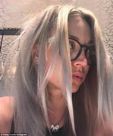 dibiase hair om hair kaley cuoco debuts her newly dyed dreamy sherbet hair