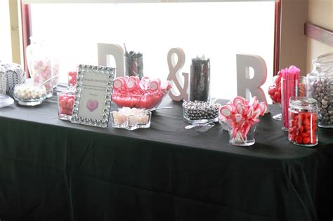 8 jar candy table
