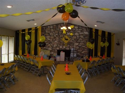 construction baby showers ideas  pinterest digger party construction theme