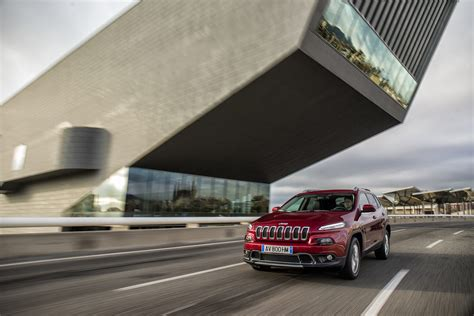 european jeep european jeep cherokee gets diesel engines pictures details