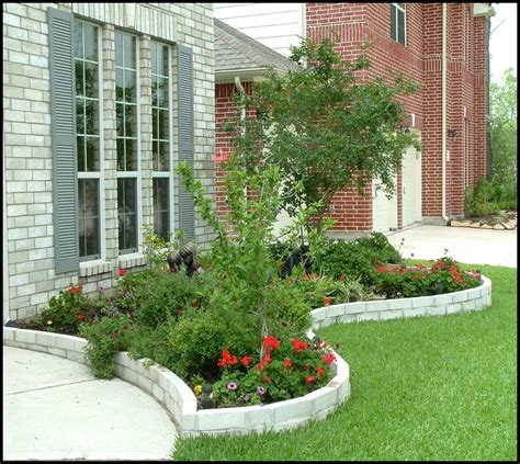 Flower Beds In Front Of House Google Search Flower Pictures Of Flower Gardens In Front Of House