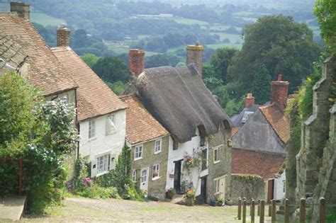 Shaftesbury Cottages by Cottages On Gold Hill Shaftesbury Dorset Picture Of