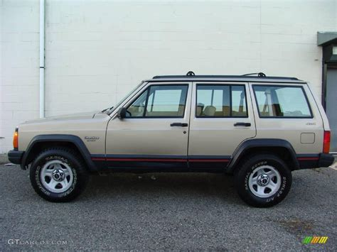 1994 Light Chagne Beige Metallic Jeep Cherokee Sport