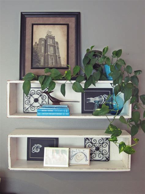 Step Shelves Living Room by Smartgirlstyle An S Guide To Decorating Shelves