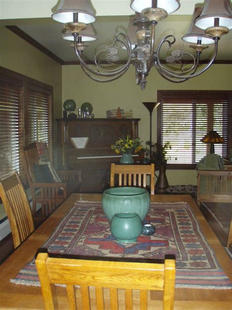 craftsman dining room  table  chairs