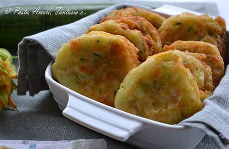 frittelle fiori di zucchine frittelle di zucchine e fiori di zucca frittelle di