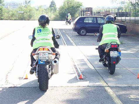 Motorrad Grundkurs Teil 3 abcd fahrschuleabcd fahrschule winterthurgrundschule
