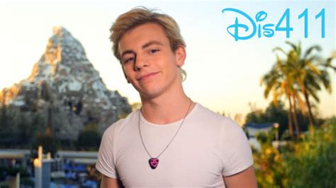 does ross lynch dye his hair ross lynce is on astun and ally he started music when h
