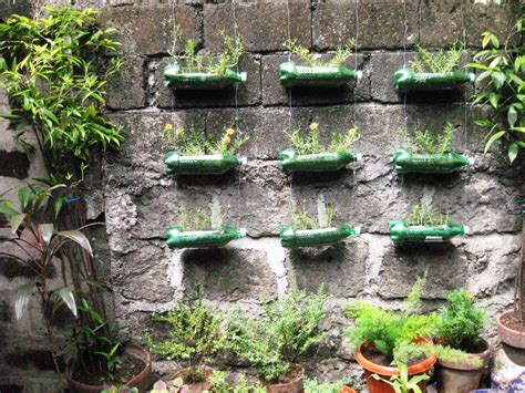 idea giardino creative planters box using recycled bottle plastic