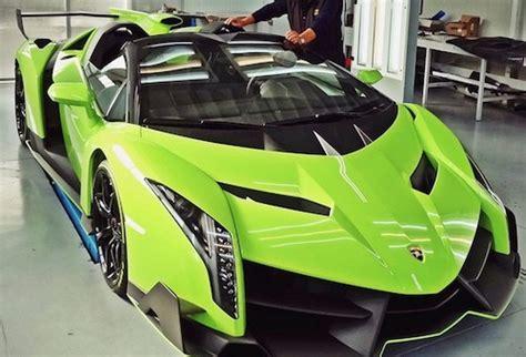How Fast Can Lamborghinis Go Two Lamborghini Venenos For One Not So Fast