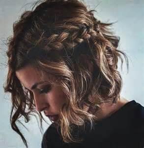 hochsteckfrisurenen mit locken mittellange haar anleitung die besten 17 ideen zu frisuren mittellanges haar auf mittellange haare bob und