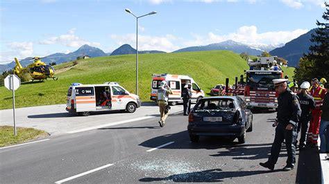 Unfall Motorrad Tirol by Schwerer Motorradunfall Bei Jenbach Tirol Orf At